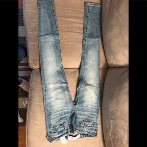Abercrombie light blue wash skinny jeans